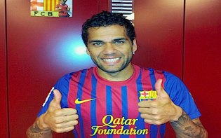 Dani Alves shows productive approach to dealing with racism credit@facebook