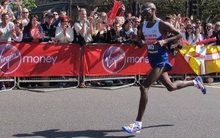 Farah, pictured at the 2014 London Marathon, has transitioned from middle distance to long distance races. credit@allyhook