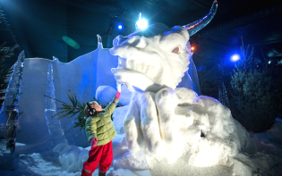 A variety of different ice sculptures at Hyde Park.Credit@Winterwonderland