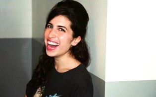 Amy Winehouse before Frank.Credit@CharlesMoriarty