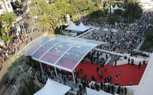 Aerial view of the red carpet.Credit@festival-cannes.com